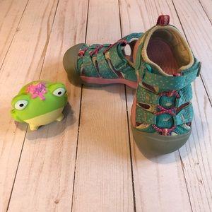 Keens toddler sandal (washable)
